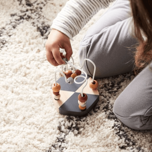 1000145 Speelgoedwinkel Daantje mini kralen doolhof Kids Concept