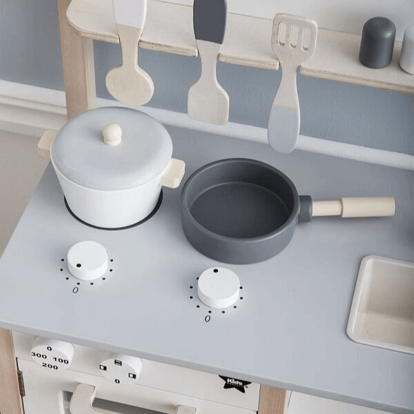 1000161 Speelgoedwinkel Daantje Kids Concept houten keuken detail