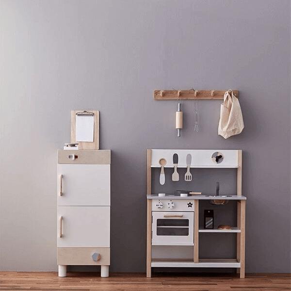 1000161 Speelgoedwinkel Daantje Kids Concept houten keukentje en koelkast