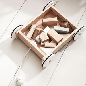 1000195 Speelgoedwinkel Daantje Kids Concept houten wagentje met blokken