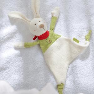 41794 Speelgoedwinkel Daantje Sigikid knuffel haas wit op bed
