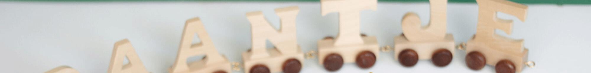 Speelgoedwinkel Daantje houten lettertrein naamtrein